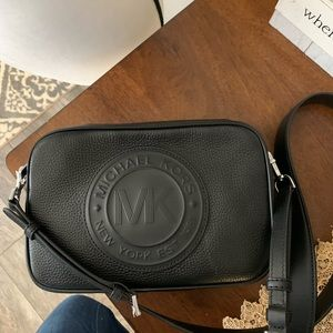New🖤 MK leather black logo crossbody Fulton sport